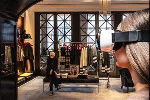 Model mit Virtual Reality Headset in Tommy Hilfiger's Fifth Avenue Flagship Store zur Ansprache der potenziellen Zielgruppe